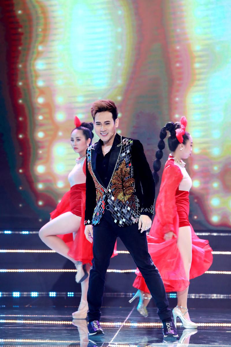 Hà Thúy Anh diện váy cưới, hát cùng Nam Cường trong đêm nhạc dành cho tình nhân